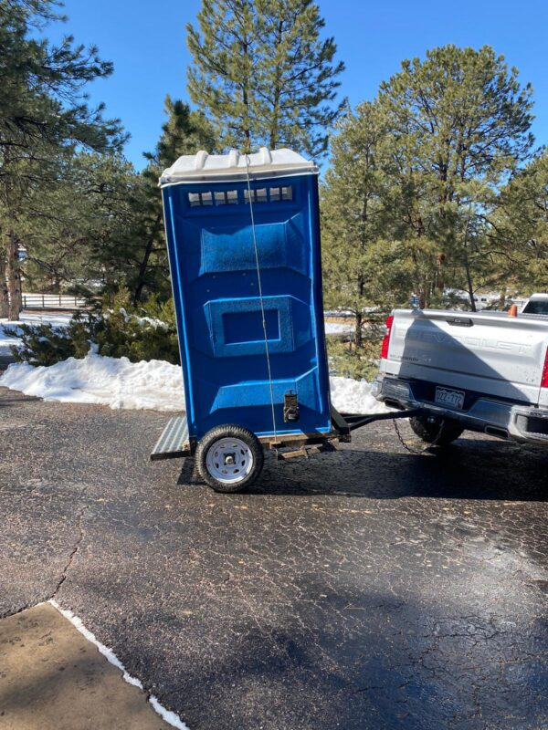 Toilet and trailer